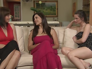 Brunette MILF Lily Shipper gets her pussy licked by Raylene