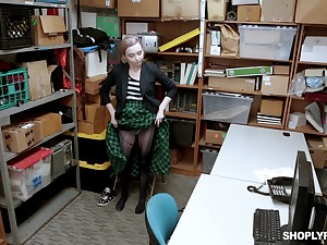 Teen blonde Lexi Tutelage striated and rake over the coals fucked in the office