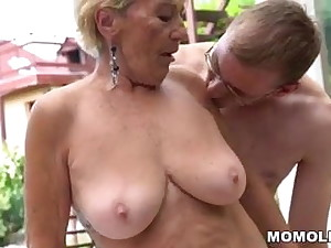 Granny hairy pussy exposed to young dick