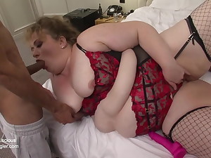 Big fat ass girl Sammy doing a BBC