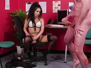 Stunning subfuscous Jasmine Lace takes off the brush clothes to tease the brush man