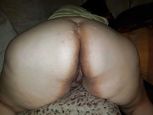 Bbwbootyful rubbing together with stroking BBC, loving his groans