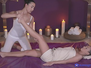 Cristal Caitlin and Anna Rose have amazing lesbian sex on the table