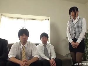 Pretty Japanese girl Ootsuki Hibiki drops on her knees to suck dicks