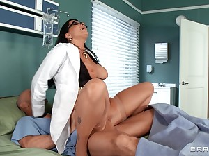 Hospital orgy not far from Anna Bell Peaks, Romi Rain and Nicole Aniston