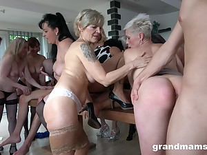 Naked matures in mind-blowing dealings orgy