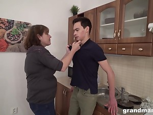 Wild mature stepmom makes a young man swept off one's feet her cunt