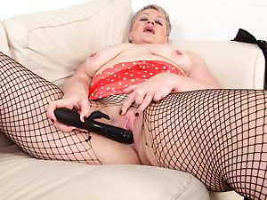 Mum's dildo to the rescue