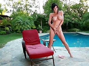 Diana Regent Poolside Pussy Rubbing