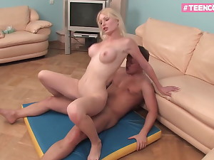 Blond Luxury Teen knows how around make you cum