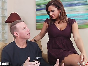 Young chick Keisha Grey has an jeopardize with experienced married man Mark Wood