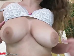 Russian chunky soul - Babe about solo bra tryout