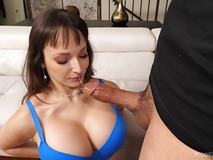 Cock hungry mature Lexi Luna drops on say no to knees to give a blowjob
