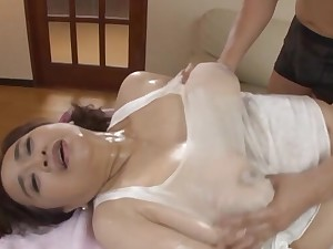 Brunette BBW Hayama Nobuko gets her pussy massaged with a toy