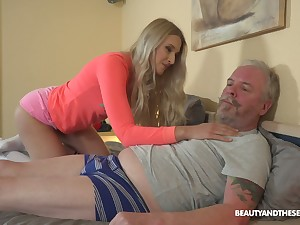 Ardent Hungarian chick Diane Chrystall is so into sucking old load of shit in 69